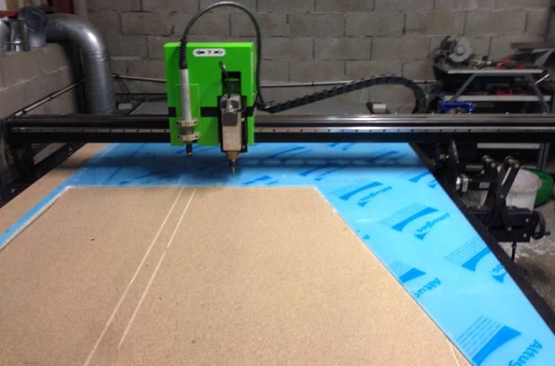 D coupe par fraisage et gravage mobilier sur mesure en for Decoupe inox sur mesure